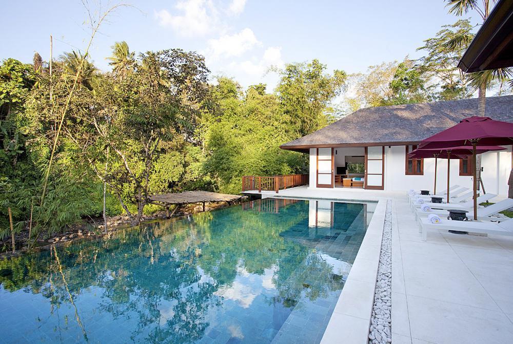 infinity pool holiday villas in bali
